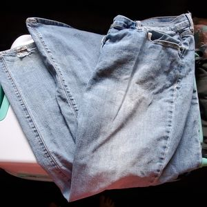Old Navy boot cut jeans light wash